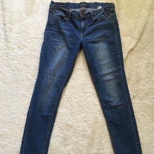 Size 10 lucky brand charlie skinny jeans